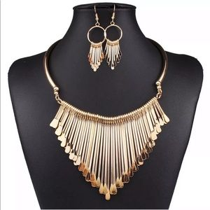 Collar Statement Necklace & Earrings Set Gold Tone